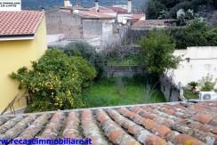 Seneghe abitazione indipendente con ampio giardino