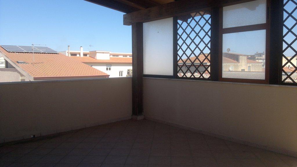 Oristano, abitazione indipendente centralissima posti auto e terrazza panoramica