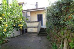 Bonarcado abitazione indipendente con cortile